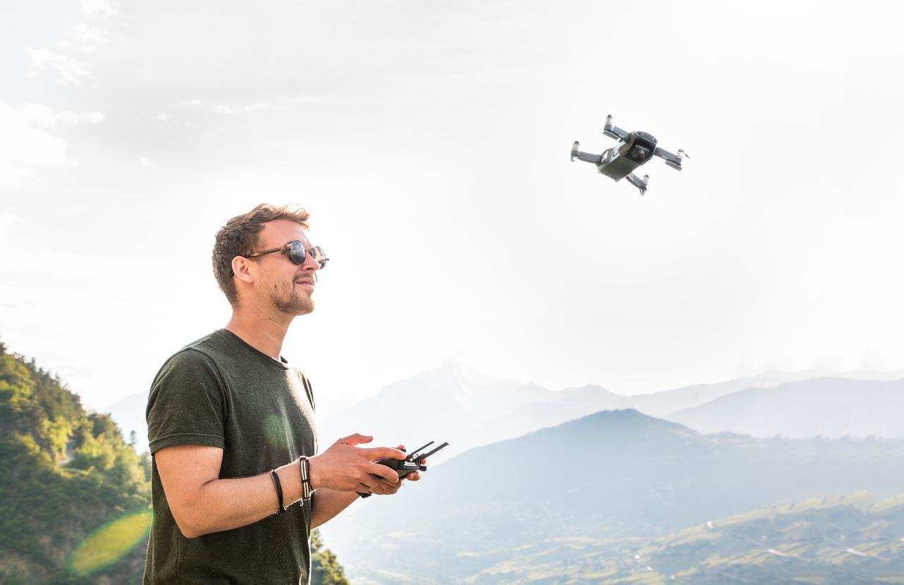 drone-3453361_1280